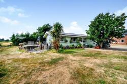 Detached House To Let  Sidlesham West Sussex PO20