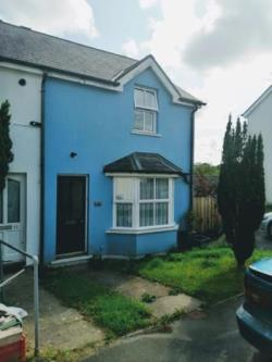 Semi Detached House To Let  Saundersfoot Pembrokeshire SA69
