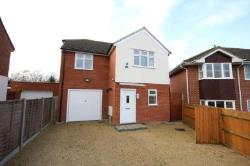 Detached House To Let  Bracknell Berkshire RG42