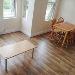Flat To Let  Turnpike Lane Greater London N22