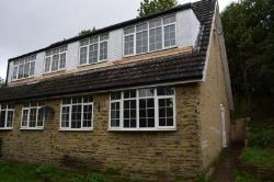 Semi Detached House To Let  Dewsbury West Yorkshire WF13
