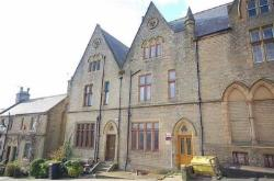 Terraced House To Let  HALIFAX West Yorkshire HX3