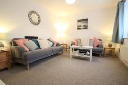 End Terrace House To Let  Dorking Surrey RH5