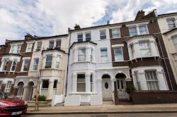 Flat To Let  Clapham Greater London SW1
