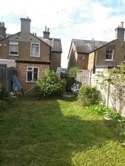 Detached House To Let  Epsom Surrey KT17