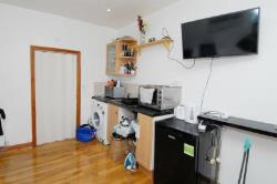 Room To Let  SW20 8LB Greater London SW20