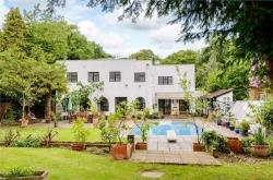 Detached House For Sale  Gerrards Cross Buckinghamshire SL9
