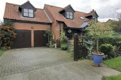 Detached House For Sale  Newark Lincolnshire NG23