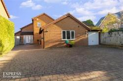Detached House For Sale  Cambridge Cambridgeshire CB5
