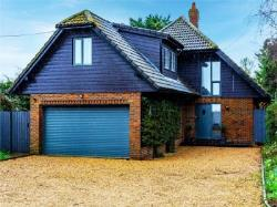 Detached House For Sale  St Neots Bedfordshire PE19