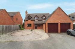 Detached House For Sale  Evesham Gloucestershire WR11