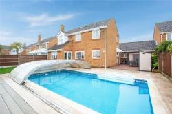 Detached House For Sale  Southend-on-Sea Essex SS3