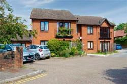 Flat For Sale  St Albans Hertfordshire AL3