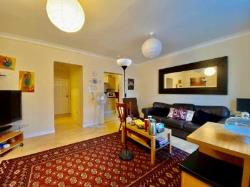 Flat To Let  Enfield Middlesex EN1