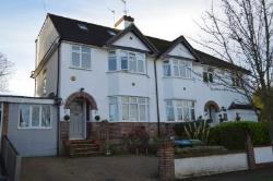 Semi Detached House To Let  Kings Langley Hertfordshire WD4