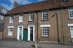 Terraced House To Let  Berkhamsted Hertfordshire HP4