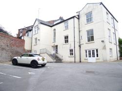 Flat To Let Jordangate Macclesfield Cheshire SK10