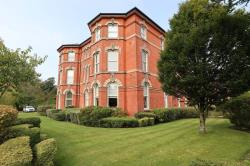 Flat For Sale  Macclesfield Cheshire SK10
