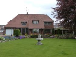 Detached House To Let  Scholar Green Staffordshire ST7