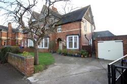 Maisonette To Let  Kettering Northamptonshire NN15
