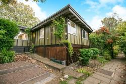 Detached House To Let  London Greater London SE23