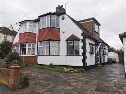 Semi Detached House To Let Chingford London Greater London E4