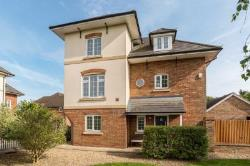 Detached House To Let  Fleet Hampshire GU51