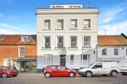Flat For Sale  Chichester West Sussex PO19