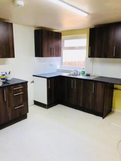 Terraced House To Let  Dudley West Midlands DY1