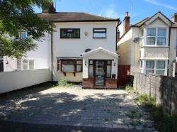 Semi Detached House To Let  Brentwood Essex CM14