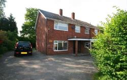 Detached House To Let  Brentwood Essex CM13