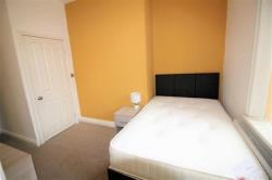 Terraced House To Let Birkby Huddersfield West Yorkshire HD2