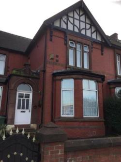 Flat To Let  Tameside Greater Manchester OL7