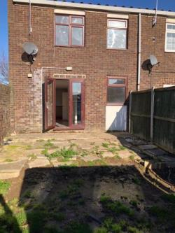 Terraced House For Sale  London Essex RM3