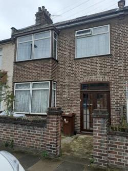 Terraced House For Sale  London Essex IG11