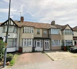 Terraced House To Let  Romford Essex RM7