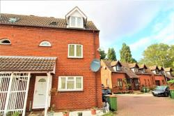Detached House To Let  London Greater London E6