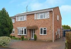 Detached House For Sale  Tring Hertfordshire HP23