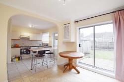Terraced House To Let  London Greater London NW4