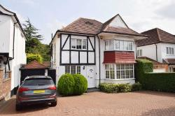 Detached House For Sale  London Greater London NW4