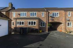 End Terrace House To Let  Holmfirth West Yorkshire HD9