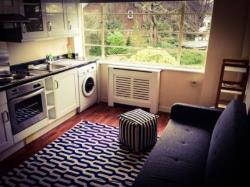 Terraced House To Let  London Greater London SE23