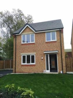 Detached House To Let  Manchester Greater Manchester M12