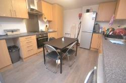 Semi Detached House To Let  Reading Berkshire RG1