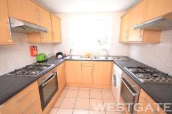 Terraced House To Let  Reading Berkshire RG6