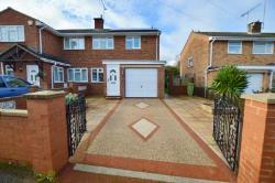 Semi Detached House To Let  Milton Keynes Buckinghamshire MK17