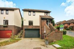 Detached House For Sale  Swanley Kent BR8