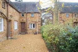 Semi Detached House To Let  Northampton Northamptonshire NN3