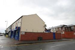 Flat To Let  Bolton Greater Manchester BL2