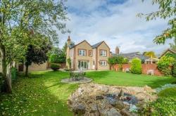 Detached House For Sale  Pirton Hertfordshire SG5